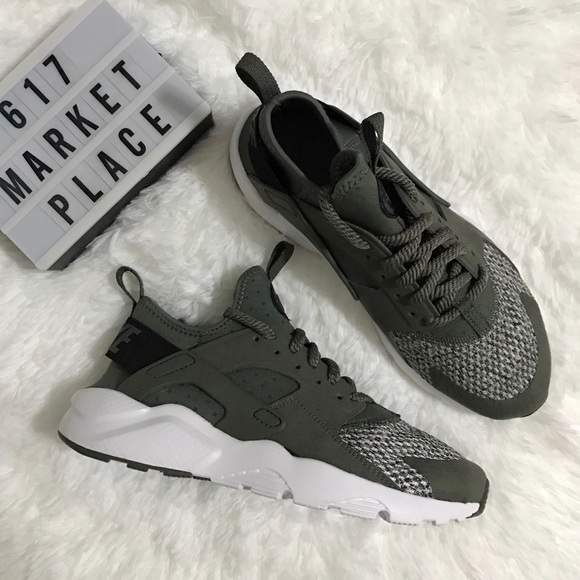 sports shoes 6932b bb821 NEW Nike Air Huarache Run Ultra SE River Rock